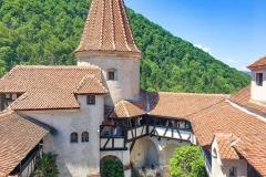 Tour Castle Bran from Bucharest