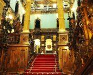 holul-de-onoare-castelul-peles